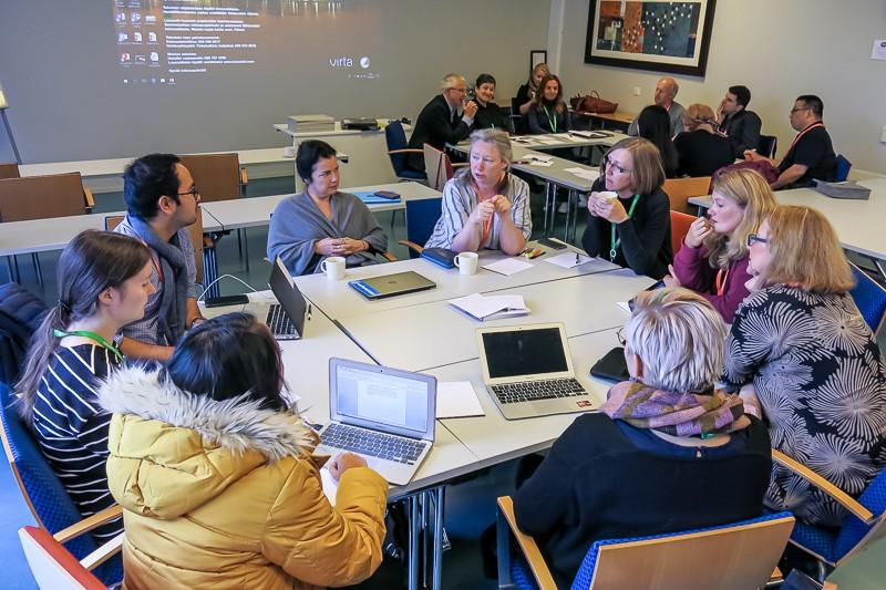 Informaatiotutkimuksen seura järjestää tieteellisiä konferensseja. Kuva on European Conference on Information Literacy (ECIL) -konferenssin yhteydessä järjestetystä doctoral forumista vuodelta 2018.