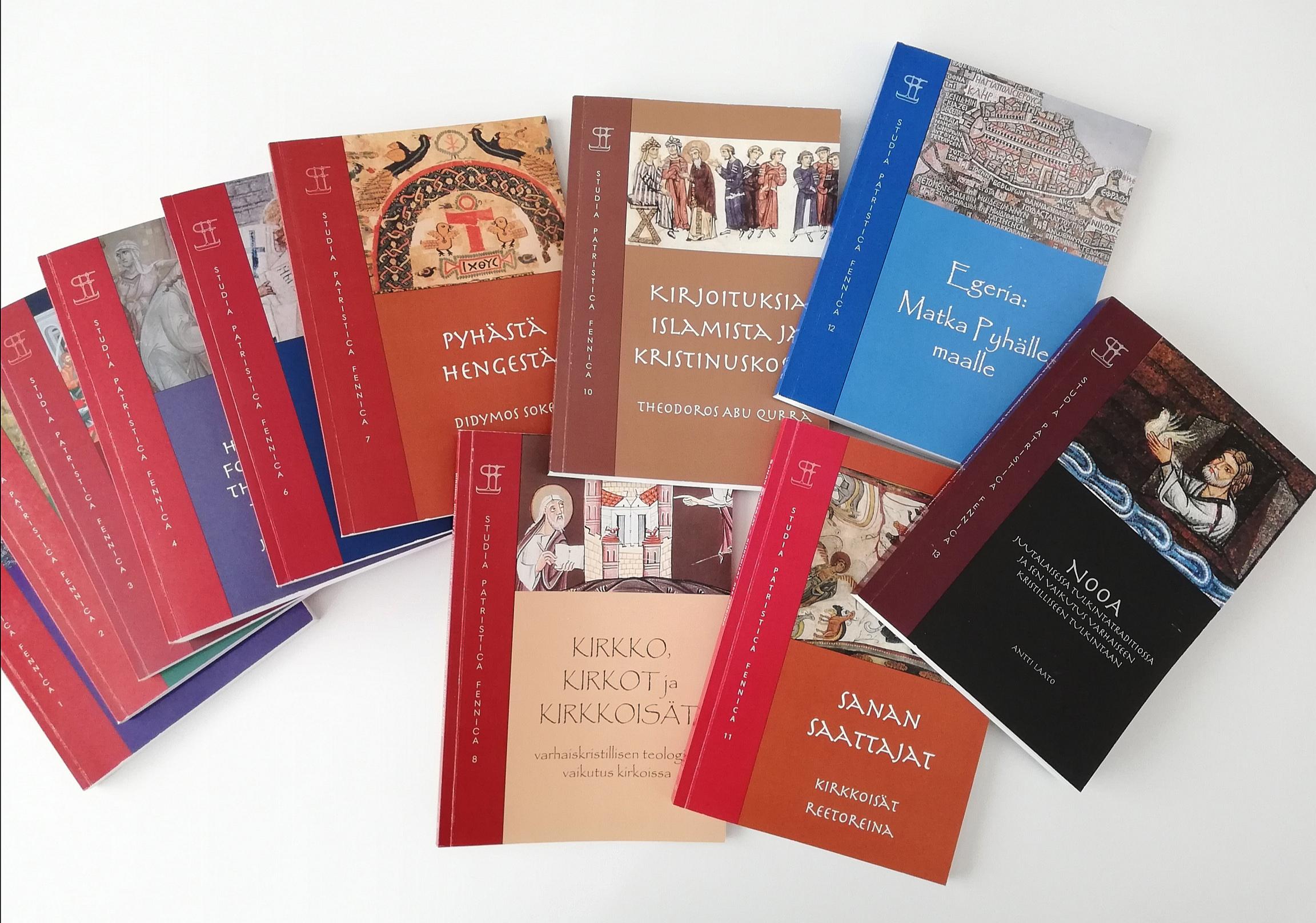 Kasa värikkäitä julkaisuja.